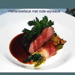 Hertenbiefstuk met rode wijnsaus